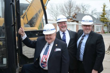 Waterstreet Groundbreaking7620150416-258