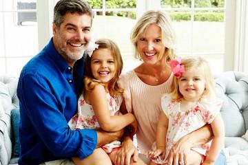 Horizontal-Gray-Family-HD-Photo-credit-belongs-to-Larissa-Block-copy-(1)