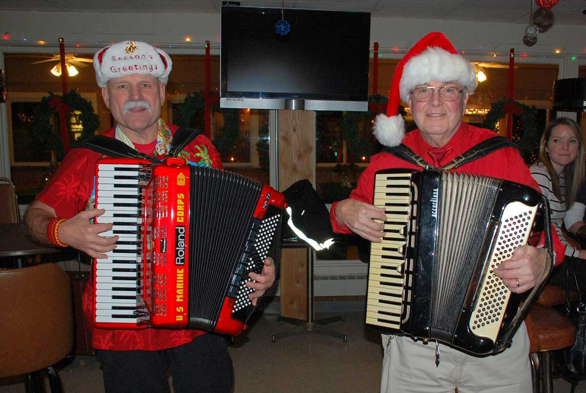 Visit hines va hospital and spread cheer positively naperville accordian web hines sciox Gallery