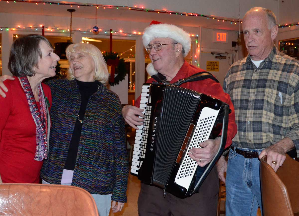 Take a bus to spread holiday cheer with veterans at hines va back at the canteen the sing along of seasonal favorites usually continues after the hines visit sciox Gallery