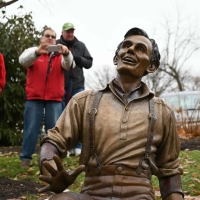 Laughing-Lincoln-0295-December-02-2018
