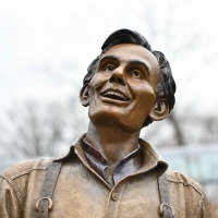 Laughing-Lincoln-7959-December-02-2018