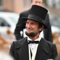 Laughing-Lincoln-8013-December-02-2018